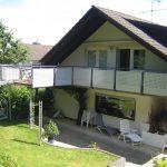 Stahl-Balkone und Treppen