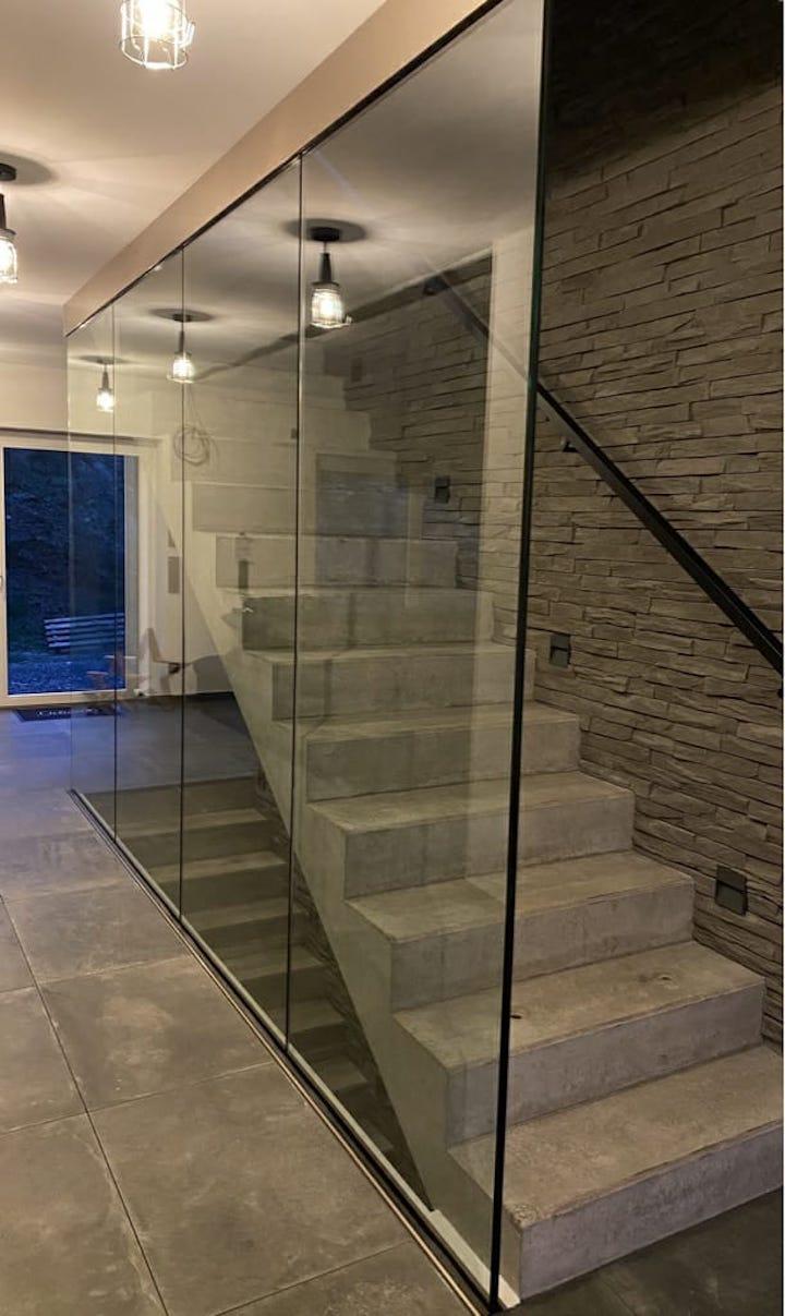 Edelstahl-, Glas und Stahlgeländer
